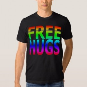 Free hugs men's rainbow T-shirt